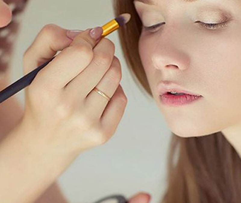 Make-Up Schulung Visagistik
